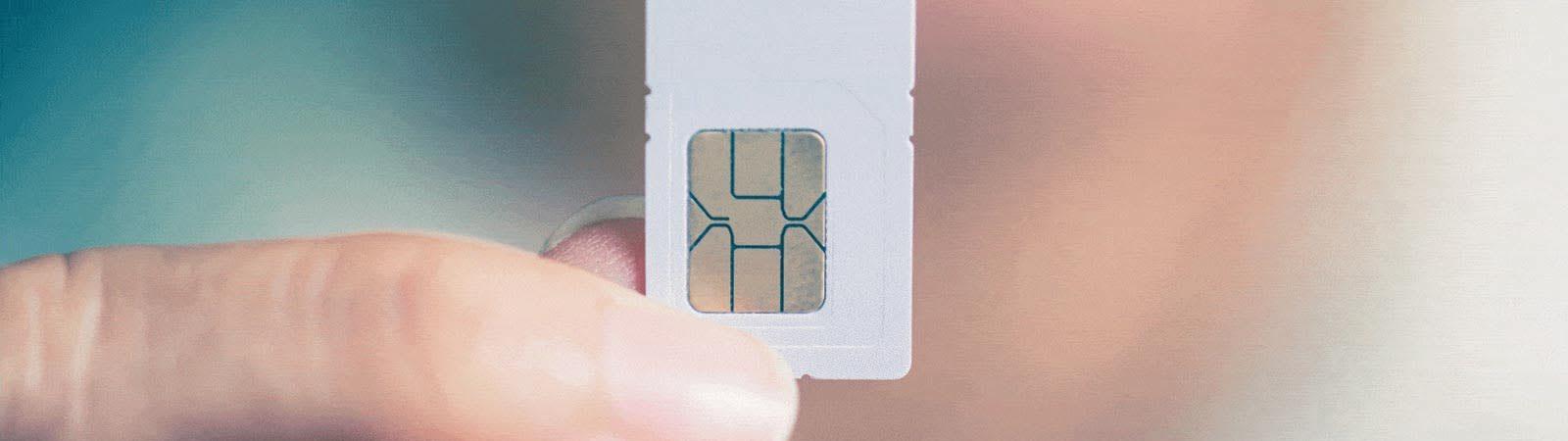 Regular-SIM-cards-vs-IoT-SIM-cards__2_